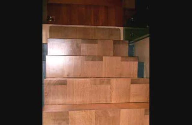 Block end grain stair risers